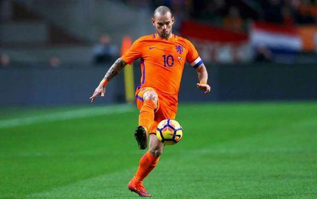 Robben bau doi hinh trong mo: Van Nistelrooy va Lampard duoc vinh danh - Anh 9