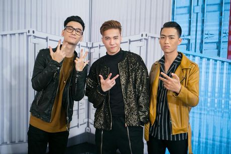 Diem danh 10 'chien binh' cua Hoa am anh sang – The Remix 2017 - Anh 7