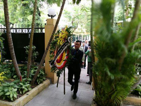 Lanh dao VOV vieng Lanh tu Cuba Fidel Castro - Anh 1