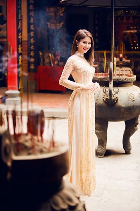 Ai cung phai nhin vi vo cu Phan Thanh Binh qua 'nong' noi dong nguoi - Anh 4