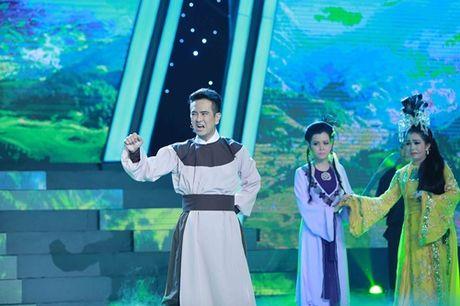 Hung Thuan mat ngoi quan quan du dien cai luong xuat sac - Anh 2
