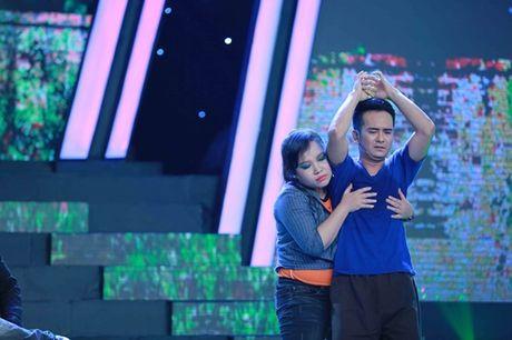 Hung Thuan mat ngoi quan quan du dien cai luong xuat sac - Anh 3