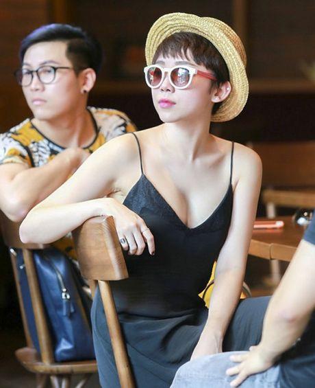 4 kieu nu Viet 'nghien' mac ao hai day sexy ra pho - Anh 13