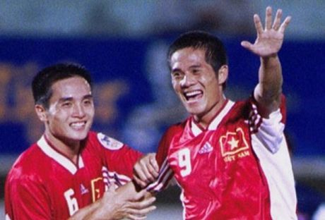 Indonesia khien thay tro A.Riedl hut hang, that vong o Tiger Cup 2000 - Anh 2