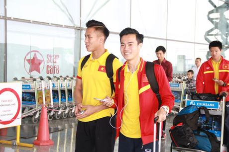 Tin tuc AFF Cup (30.11): DT Viet Nam so hai khi may bay gap su co - Anh 3