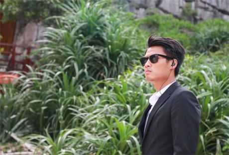 Mac Hong Quan hoi hop truoc gio ra mat phim - Anh 1