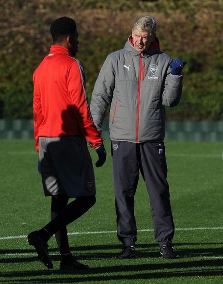 Chum anh: Lucas Perez tro lai, Arsenal san sang dau Southampton - Anh 10