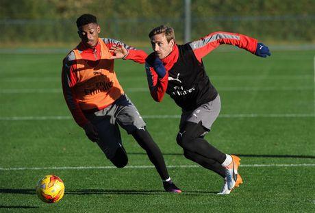 Chum anh: Lucas Perez tro lai, Arsenal san sang dau Southampton - Anh 11