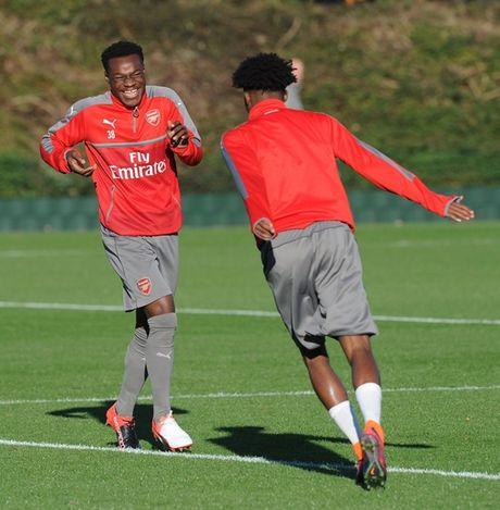 Chum anh: Lucas Perez tro lai, Arsenal san sang dau Southampton - Anh 9