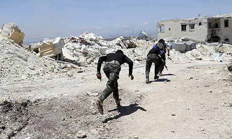 Phien quan Syria dua nhau thao chay khoi Dong Aleppo - Anh 1