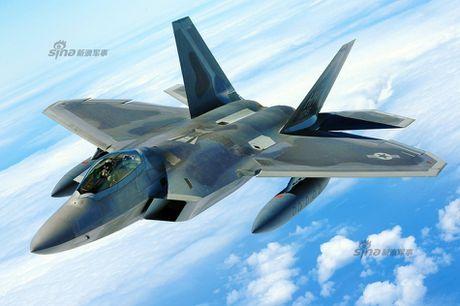Muc kich F-22, Su-30MKM tap tran hoanh trang o Malaysia - Anh 6