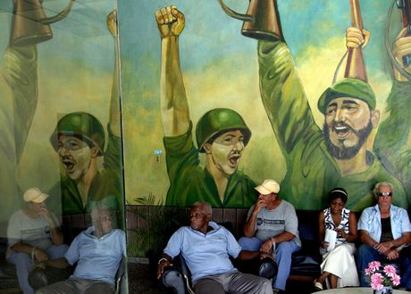 Hinh anh lanh tu Fidel Castro trong nhung buc ve graffiti - Anh 1