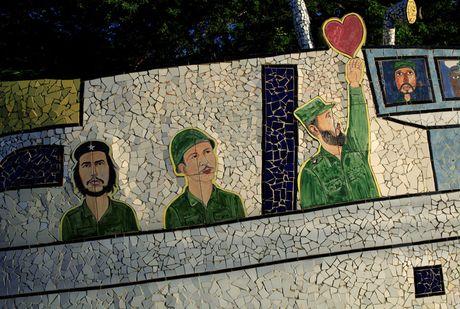 Hinh anh lanh tu Fidel Castro trong nhung buc ve graffiti - Anh 4
