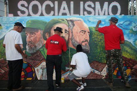 Hinh anh lanh tu Fidel Castro trong nhung buc ve graffiti - Anh 5