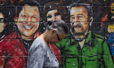 Hinh anh lanh tu Fidel Castro trong nhung buc ve graffiti - Anh 7