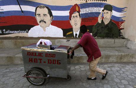 Hinh anh lanh tu Fidel Castro trong nhung buc ve graffiti - Anh 9