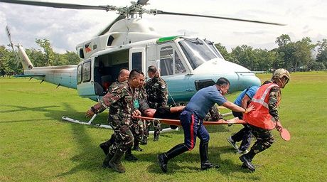 Doan xe ho tong cua Tong thong Philippines bi danh bom - Anh 1
