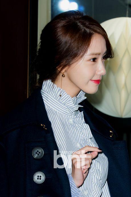 Han Hyo Joo va Yoona (SNSD) thi nhau khoe sac giua mua dong - Anh 11