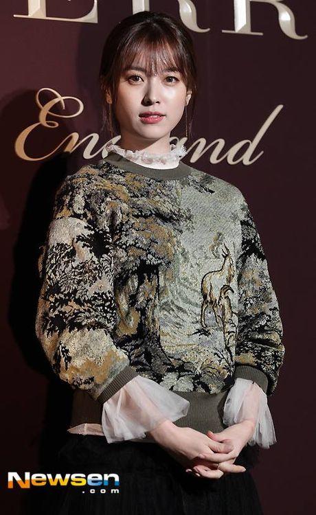 Han Hyo Joo va Yoona (SNSD) thi nhau khoe sac giua mua dong - Anh 5