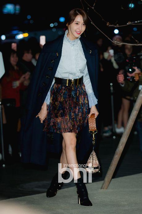 Han Hyo Joo va Yoona (SNSD) thi nhau khoe sac giua mua dong - Anh 8