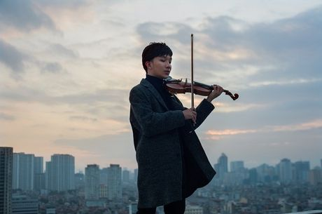 Hoang Rob dua violon den gan khan gia bang du an tao bao - Anh 2