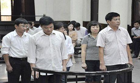 Cuu Tong giam doc PMU 18 khong duoc dac xa - Anh 1