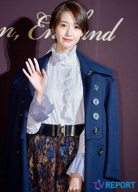 Yoon Ah la idol duy nhat duoc moi su kien thoi trang dang cap - Anh 1