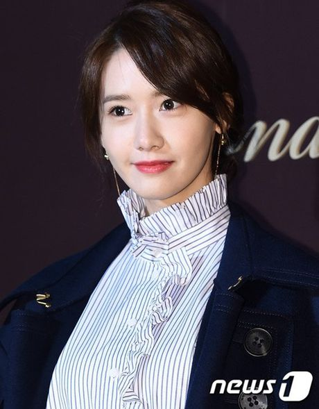 Yoon Ah la idol duy nhat duoc moi su kien thoi trang dang cap - Anh 2