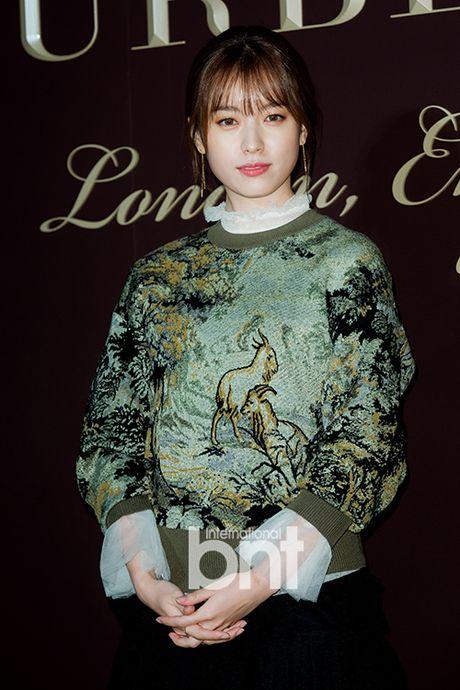 Yoon Ah la idol duy nhat duoc moi su kien thoi trang dang cap - Anh 5