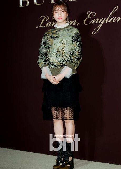 Yoon Ah la idol duy nhat duoc moi su kien thoi trang dang cap - Anh 6