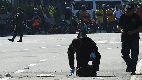 Doan xe ho tong Tong thong Duterte bi danh bom, nhieu nguoi bi thuong - Anh 1