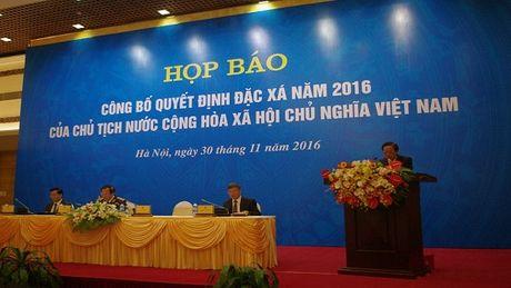 Hon 4.000 pham nhan duoc dac xa truoc dip Tet Nguyen dan - Anh 1