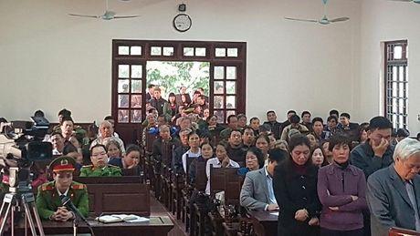 Tuyen an 8 cuu quan chuc TP Vinh Yen trong vu an trang trai Dong Tam - Anh 2