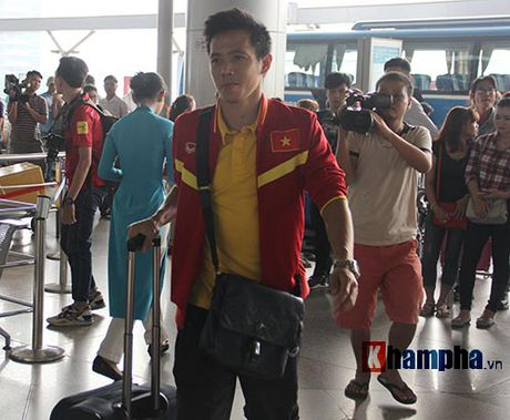 AFF Cup: DT Viet Nam di Indonesia voi niem tin quyet thang - Anh 13