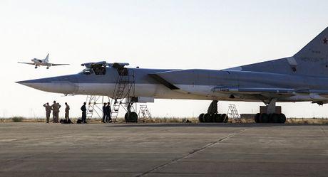 Iran de ngo kha nang cho Nga su dung can cu Hamadan - Anh 1