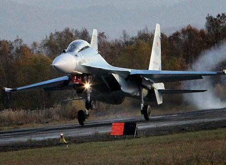 Hai quan Nga nhan hang loat truc thang Ka-27, tiem kich Su-30SM - Anh 2