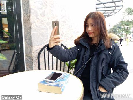 So sanh camera Samsung Galaxy C7 va Xiaomi Mi 5s Plus - Anh 24