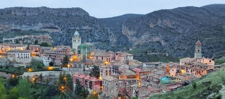 Den tham Albarracin de 'lui ve qua khu' - Anh 3