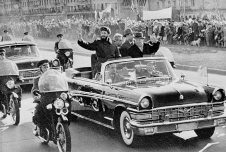 Nhung chiec xe gan lien voi lanh tu Cuba Fidel Castro - Anh 1