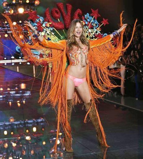 Victoria's Secret Fashion Show 2016 vang bong 12 thien than chu chot - Anh 1