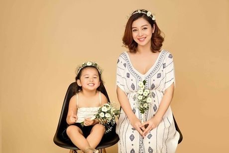 Jennifer Pham co bau 7 thang van yeu kieu - Anh 1