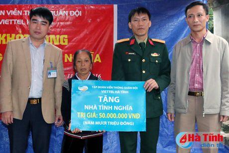 Viettel Ha Tinh xay nha tinh nghia cho gia dinh kho khan - Anh 1