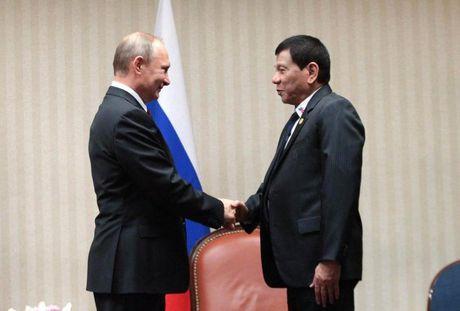 Tong thong Philippinese hoan tham Nga vi so thoi tiet lanh? - Anh 1