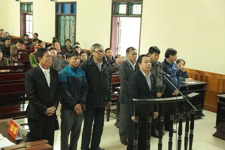 Hanh trinh 'an dat' cua nguyen chu tich UBND huyen Ky Anh cung dong bon - Anh 1
