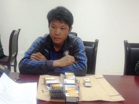 Bat khan cap doi tuong van chuyen 700 vien dan tu Lao ve Viet Nam tieu thu - Anh 1