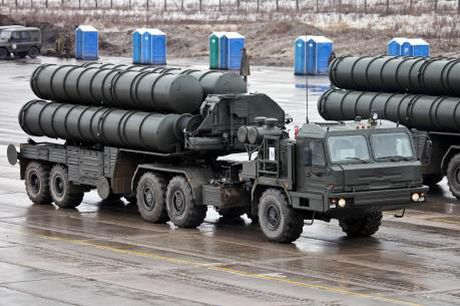 Bo Quoc phong Nga tiep nhan them 5 trung doan ten lua S-400 Triumf - Anh 1