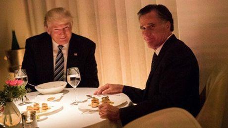 Donald Trump an toi voi ung vien ngoai truong Mitt Romney - Anh 1