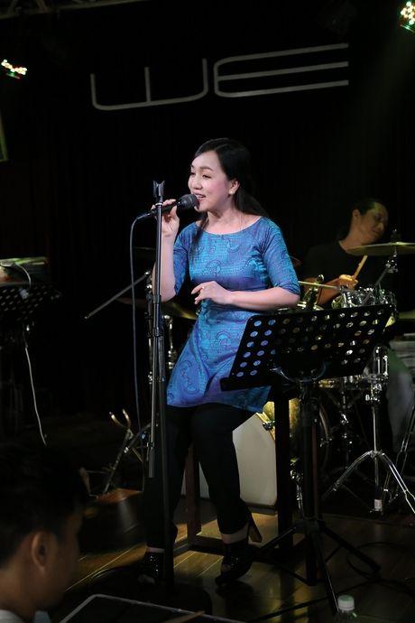 Thu Minh cuc 'xi tin', My Tam 'om ap' Hong Nhung tap luyen cho show dien dang cap - Anh 12