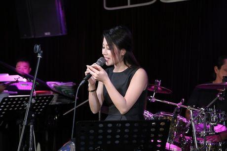 Thu Minh cuc 'xi tin', My Tam 'om ap' Hong Nhung tap luyen cho show dien dang cap - Anh 13