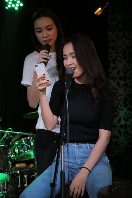 Thu Minh cuc 'xi tin', My Tam 'om ap' Hong Nhung tap luyen cho show dien dang cap - Anh 14